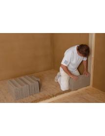 Vyzdívání příčky z hliněných příčkovek hliněnou maltou